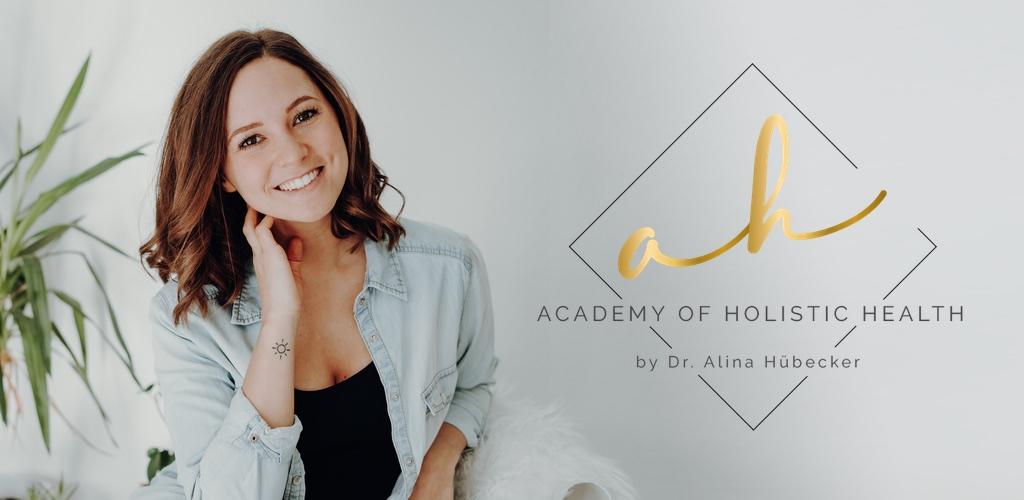Dr. Alina Hübecker ist Ärztin, Yogalehrerin und Ayurvedatherapeutin.
